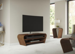 Taper-media-unit-125cm-lifestyle-walnut-tom-schneider-01
