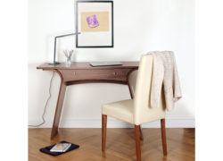 Charlotte_desk_dressing_table_Joyce_chair_02_Living_by_Tom_Schneider