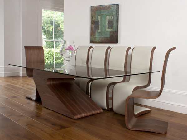cantilever_dining_table_curl_dining chairs-leather_walnut_02_tom_schneider_curved_furniture